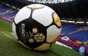 l 'euro 2012 dans Equipe de France Euro-2012-social-media-300x193